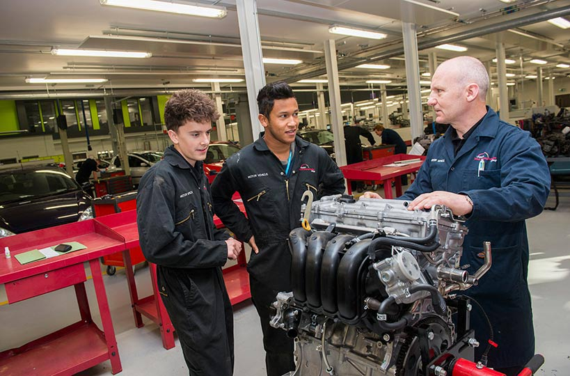 Students at the Engineering Innovation Centre have the opportunity to get the best training in their field.